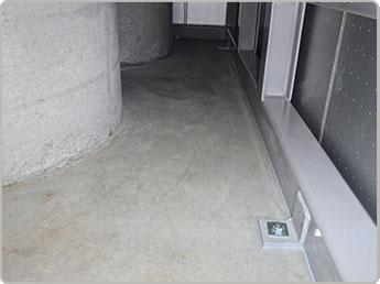 1階(機材室)設置固定部(四方8ヶ所)