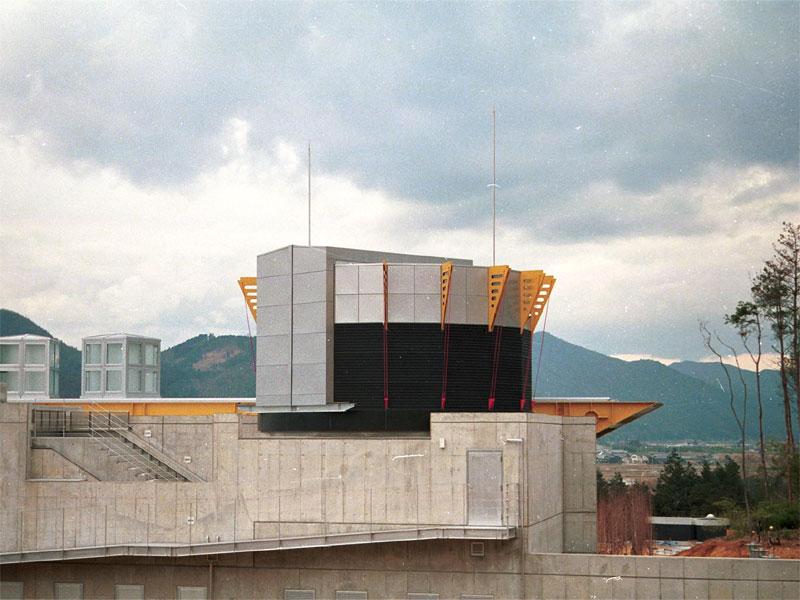 にしわき経緯度地球科学館 7.4m 16面体